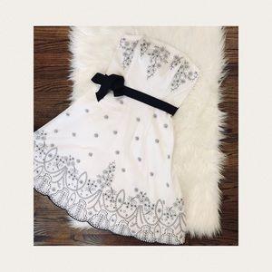 🧵WHITE HOUSE BLACK MARKET | Strapless Dress